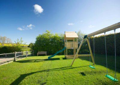 Woolpack-Inn-Garden